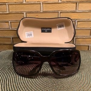 AUTHENTIC VINTAGE CHANEL SUNGLASSES MODEL 614